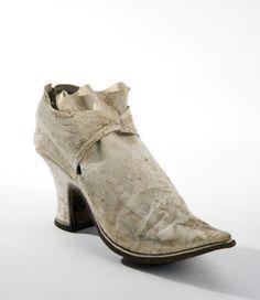 En damslejfsko (troligen vänstersko).Datering  1740-tal