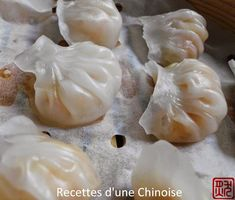 """Steamed shrimp ravioli: Haa Gaau 蝦 餃 - Among the small bites of Dim Sum, Haa Gaau (often called in France """"Ha Kao"""") is undoubtedly a great - Asian Cooking, Cooking Time, Cooking Recipes, Dim Sum, Steamed Shrimp, Asian Recipes, Healthy Recipes, Dumpling Recipe, Dumplings"""