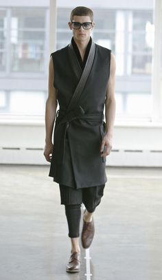 fw 12 look 17 Fashion Moda, Kimono Fashion, Look Fashion, High Fashion, Mens Fashion, Fashion Design, Fashion Trends, Mode Kimono, Kimono Jacket