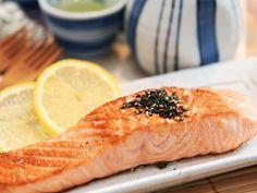 Pan Fry Salmon  http://www.daydaycook.com/recipe/1/details/1600/Pan-Fry-Salmon.html