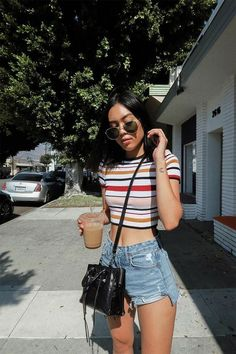10 Cute Crop Tops You Need For Summer Cute crop tops are a summer staple, and the weather is almost warm enough to wear them again! To spruce up your wardrobe, here are 10 cute crop tops you need for summer! Hipster Outfits, Mode Outfits, Cute Casual Outfits, Fashion Outfits, Striped Outfits, Club Outfits, Mode Ulzzang, Cute Crop Tops, Cropped Tops