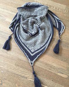 Ihh det er lækkert #dubaitørklæde #suckerforsøndag #nevernotknitting @susiehaumann #isager 😍😍