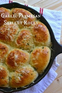 Garlic parmesan skillet rolls are full of buttery flavor. Cooking in a cast iron skillet give a light crispy crust with a tender, fluffy center.