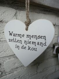 Teksthart warme mensen zetten niemand in de kou True Quotes, Words Quotes, Best Quotes, Quotes About Everything, Dutch Quotes, Sarcasm Humor, Music Quotes, Happy Thoughts, Picture Quotes