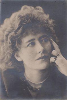 Hayman Seleg Mendelssohn portrait of Ellen Terry 1886   Collection Eric Pape For Sale | Antiques.com | Classifieds