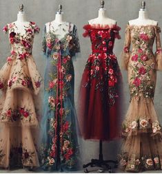 Someone please tell me some stuff about these gorgeous dresses! Who are they by, when are they from, etc… Someone please tell me some stuff about these gorgeous dresses! Beautiful Gowns, Beautiful Outfits, Simply Beautiful, Pretty Outfits, Pretty Dresses, Evening Dresses, Prom Dresses, Floral Dresses, Vintage Dresses