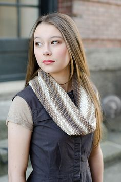 Ravelry: Simpliworsted Multi Moebius Cowl pattern by Skacel Collection, Inc.