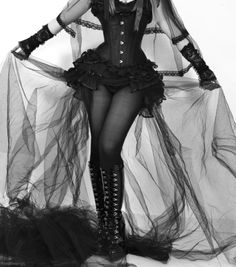 My goal is just to one day wear a full-blown corset like this ;D