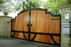 Apollo hardwood gates are perfect for any driveway. 0% finance available. Visit Europe's largest wooden and automatic gate showroom.
