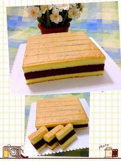 Ingredients: Yellow Layers (make 2 layers of yellow layers) : 20 egg yolks 200 g fine granulated sugar 1 tsp ovalette 100 g all-pu. Indonesian Desserts, Indonesian Food, Lapis Surabaya, Ogura Cake, Resep Cake, Cotton Cake, Sweet Soup, Plain Cake, Breakfast Tea