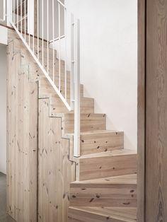 Trä, sand och grönskande natur. Familjen Wäborg i Höllviken skapade ett väl sammanhållet och harmoniskt hem när de byggde sitt drömhus från grunden.