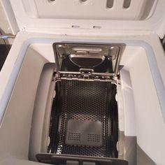 Άλατα, υπολείμματα σαπουνιού και μια μαύρη γλίτσα παντού στο πλυντήριο; Κάντε το καθάρισμα πλυντηρίου ρούχων εύκολα, σε 4 βήματα και χωρίς καθόλου χημικά.