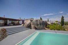 Monte Velho Equo-resort in Portugal http://www.montevelho.pt/ Herdade do Monte Velho, Arraiolos 7040-130 Arraiolos 912 371 837