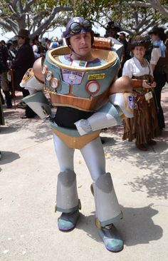 Awesome steampunk Buzz Lightyear cosplay
