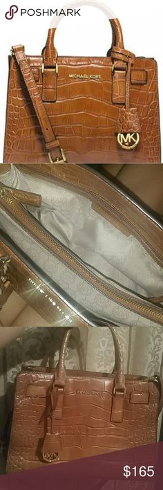 Michael Kors brown leather handbag Authentic Michael Kors Medium purse Gold Michael Kors hardware Comes with MK charm and adjustable crossbody strap Croc embossed leather   *****LIKE NEW gently used no signs of wear, other than minimal surface scratches on the gold feet of bag only***  from smoke free home  Satchel crossbody / messenger top handle shoulder bag  Hamilton Dillon rhea selma Michael Kors Bags