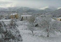Greek village in witer, τα πρώτα χιόνια.