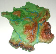 Géographie en relief avec pâte à sel et peinture acrylique!