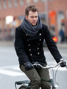 #Copenhagen #Streetstyle #Mensstyle #Menswear #MONOBI #Military Military Fashion, Mens Fashion, Fashion Outfits, Cycle Chic, Military Style Jackets, Cool Style, My Style, Men Street, Personal Style