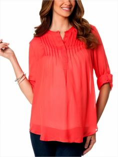 We love this maternity top for fall! #pregnancy #fashion http://www.ivillage.com/maternity-business-looks-we-love/6-b-495876#