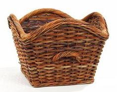 French Country Laurel Basket from www.wellappointedhouse.com #homedecor #decorativeaccssories #decorate #handpaintedboxes #jewelryboxes #documentboxes