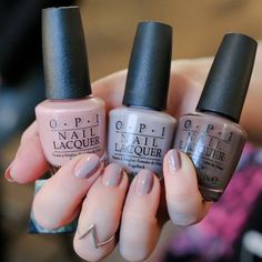 Clover Canyon Fall 2015 Colorful Nail Designs, Cool Nail Designs, Creative Nails, Chloe Nails, My Nails, Hair And Nails, Pretty Nails, Clover Canyon, New Nail Art