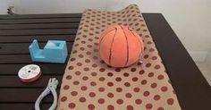 Il est difficile d'emballer un ballon ou un cadeau qui ne vient pas dans une boite!