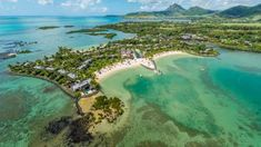Four Seasons Resort Mauritius is conveniently located near a wide range of attractions and things to do from cultural to culinary, shopping, nature and more.