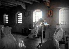 """¿Cuál es la """"tarea más importante"""" del monje, sino la espera? Una atenta y orante espera..."""
