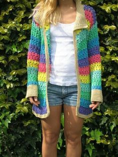 This Pin was discovered by Ana Crochet Coat, Crochet Shirt, Crochet Jacket, Crochet Cardigan, Cute Crochet, Crochet Yarn, Crochet Clothes, Crochet Bikini, Easy Sewing Patterns