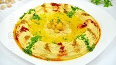 Reteta de hummus libanez este una pe care trebuie neaparat s-o aveti in repertoriu. Hummus-ul este un preparat libanez foarte cunoscut si iubit. Pesto, Romania Food, Good Food, Yummy Food, Cooking Recipes, Healthy Recipes, Delicious Recipes, Hummus Recipe, Exotic Food