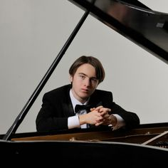 Saturday  4-Aug-12.  Bachtrack.  Daniil Trifonov and the Cleveland Orchestra at Blossom. The concerto is filled with cascading passagework, which Mr. Trifonov dispatched with ease and elegance. His performance was musically and rhythmically sensitive, especially attuned to the rubato that makes Chopin's music sing.