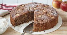Hier kommt das perfekte Rezept für einen saftigen und aromatischen russischen Apfelkuchen mit geriebenem Apfel und Schmand. German Recipes, Pears, Mousse, Banana Bread, Muffins, Apple, Homemade, Desserts, Food