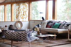 Rakastan Alvar Aallon töitä, Marimekon värikästä maailmaa sekä 50-luvun arkkitehtuuria ja suomalaista kotisielunmaisemaa. Tämän monet teistä lukijoista varmasti tiesivätkin tai... Barcelona Chair, Work Inspiration, Marimekko, Simple Living, Accent Chairs, Lounge, Monet, Architecture, Furniture