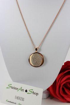 Sehr schön verarbeitetes Medaillon in Silber rot vergoldet mit Zirkonen besetzt Pendant Necklace, Ebay, Jewelry, Silver, Red, Nice Asses, Jewlery, Jewerly, Schmuck