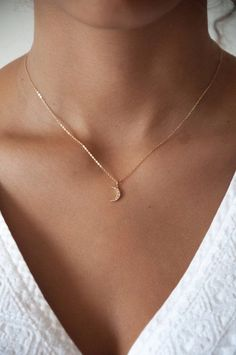Fashion Necklace Diy Huggie Earrings Name Necklace Cheap Original Silv – clotheoo Tiny Necklace, Moon Necklace, Simple Necklace, Simple Jewelry, Cute Jewelry, Jewelry Accessories, Diy Jewelry, Delicate Jewelry, Jewelry Box