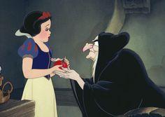 Snow White & the Seven Dwarfs / Poison Apple scene