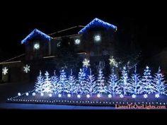 La decoración navideña de esta casa te dejará con la boca abierta - http://dominiomundial.com/impresionante-decoracion-navidena/?utm_source=PN&utm_medium=Pinterest+dominiomundial&utm_campaign=SNAP%2BLa+decoraci%C3%B3n+navide%C3%B1a+de+esta+casa+te+dejar%C3%A1+con+la+boca+abierta