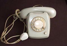 M - telephone