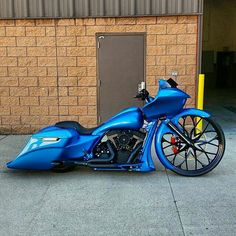 Bike of the day built by @sl00thy #baggermilitia #militiaindustries
