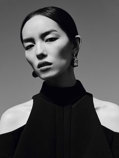 Transparencies Publication: Vogue China January 2017 Model: Fei Fei Sun Photographer: Ben Toms Fashion Editor: Robbie Spencer Hair: Ramsell Martinez Make Up: Lottie PART II Fei Fei Sun, Vogue China, Face Photography, Fashion Photography, Glamour Photography, Lifestyle Photography, Editorial Photography, Outdoor Portrait, 3 4 Face