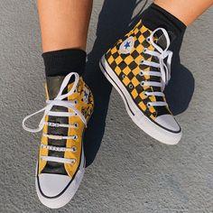 Converse Chuck Taylor All Star Hi Sneaker - Lemon Chrome Diy Converse, Painted Converse, Black Converse, Outfits With Converse, Painted Shoes, Converse Logo, Custom Made Converse, Cute Converse Shoes, Converse Sneakers