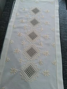 Bilderesultat for white on white norwegian embroidery Hardanger Embroidery, Embroidery Stitches, Embroidery Patterns, Hand Embroidery, Flower Embroidery Designs, Types Of Embroidery, Different Stitches, Drawn Thread, Vintage Caravans