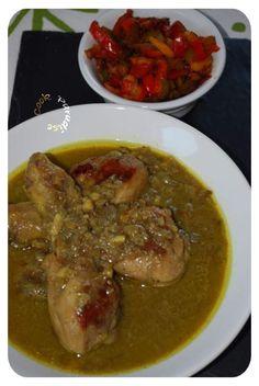 Un plat exotique et parfumé VOTRE MARCHÉ Pour 4 personnes 4 cuisses de poulet (ou 8 pilons) 400 ml de lait de coco AYAM 1/2 boite de pulpe de tomates en dés 1 oignon rouge 2 gousses d'ail 1 cuillerée de curry en poudre 1 cuillerée de curcuma en poudre...