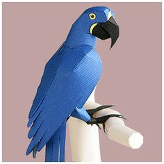 Hyacinth Macaw - Free template: http://www.yamaha-motor.co.jp/global/entertainment/papercraft/animal-global/macaw/