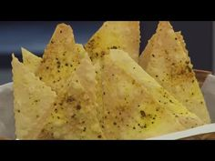 RECEITA CROSTINI DE LEMON PEPPER - YouTube Vegetarian Side Dishes, Indian Food Recipes, Ethnic Recipes, Lemon Pepper, Food And Drink, Low Carb, Favorite Recipes, Stuffed Peppers, Snacks