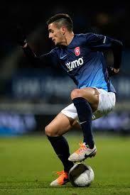 Bandar Taruhan Sepak BolaBandar Taruhan Sepak Bola – Usai kehilangan beberapa pemain pentingnya musim silam, Southampton pun menggaet pemain baru di bursa transfer musim panas ini. Mereka berhasil mendapatkan jasa Dusan Tadic dari FC Twente.
