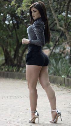 Beautiful Legs, Beautiful Women, Curvy Women Fashion, Sexy Shorts, Perfect Woman, Beautiful Indian Actress, Sexy Hot Girls, Sexy Legs, Dress To Impress