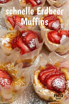 quick, simple strawberry muffins so delicious Eating Plans, Eating Habits, Finger Foods, Sour Cream, Good Food, Brunch, Food And Drink, Snacks, Sweets