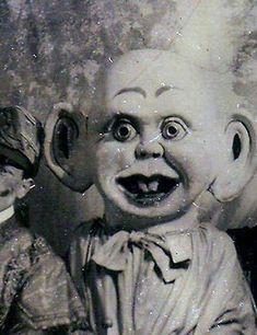 Mondo Bizarro: Bonecas sinistras para seus piores pesadelos