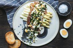 Mein Lieblings-Spargel-Rezept - AvocadoBanane Avocado, Food Inspiration, Cheese, Banana, Meal, Easy Meals, Koken, Food Food, Lawyer